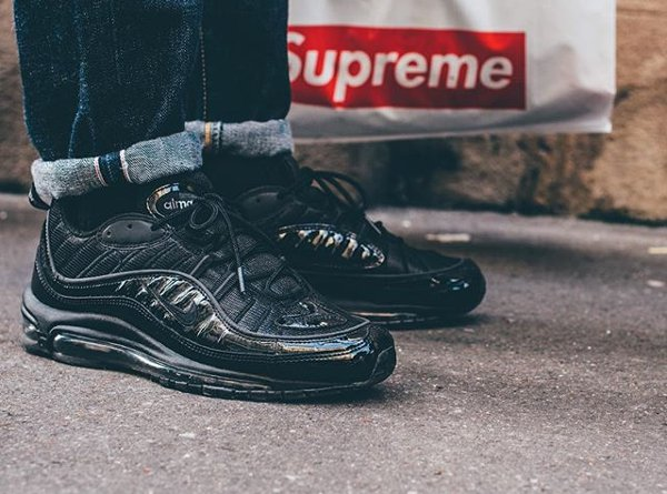 Basket Supreme x Nike Air Max 98 Black Patent Leather