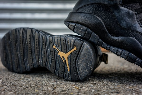 Chaussure Nike Air Jordan 10 Retro NYC (8)