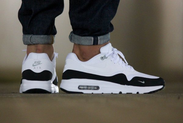 Nike Air Max 1 Ultra Essential Mini Swoosh BlackWhite & Blue