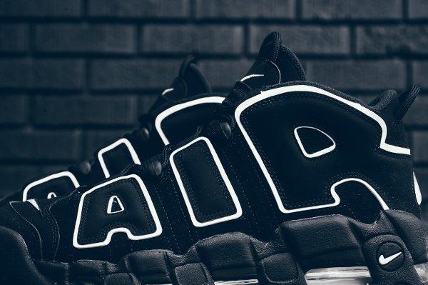 Chaussure Nike Air More Uptempo OG noire retro 2016 pas cher (5)