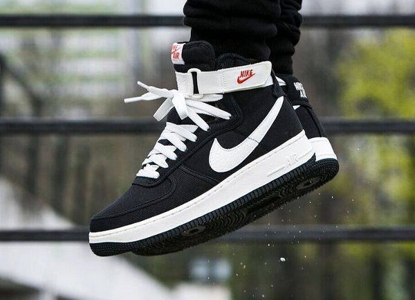 basket Nike Air Force 1 High Retro Canvas OG Black Sail pas cher (1)