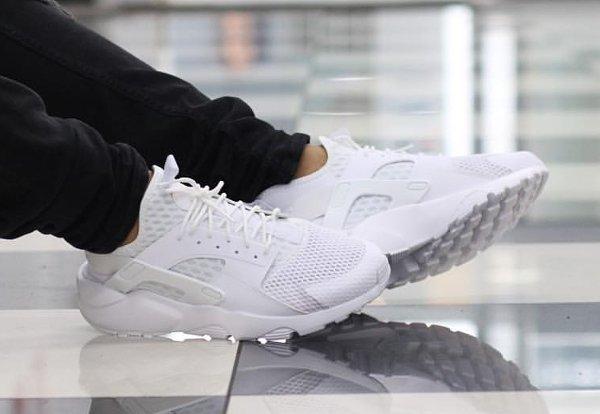 cheap for discount 3a441 547e0 ... basket Nike Air Huarache Run Ultra BR Triple White homme