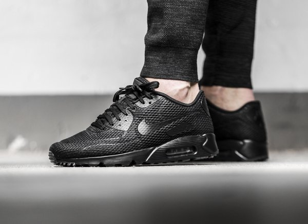 basket Nike Air Max 90 Ultra Breathe Triple Black (1)