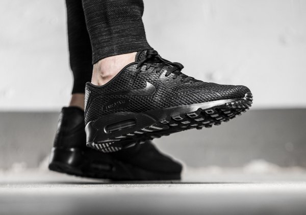 basket Nike Air Max 90 Ultra Breathe Triple Black (3)