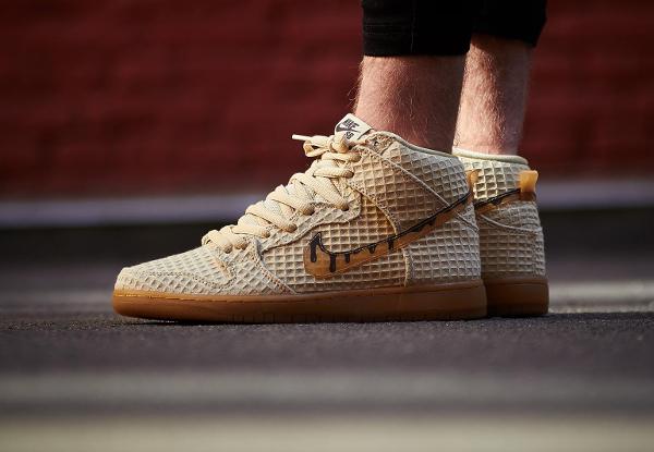 basket Nike Dunk High Pro SB PRM Waffle Flat Gold Star QS pas cher (3)