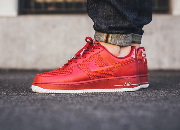 nike air force 1 07 lv8 rouge,chaussures nike air force 1 07
