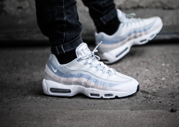 first rate 320d1 bc6b8 chaussure Nike Air Max 95 Essential Phantom light Bone pas cher (1)