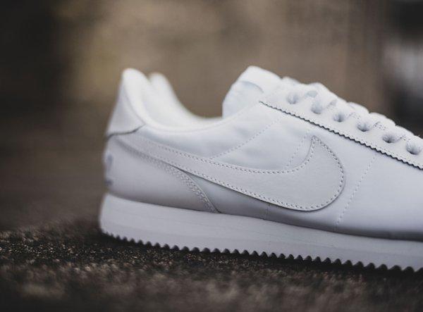 chaussure Nike Cortez Basic 1972 blanche (4)