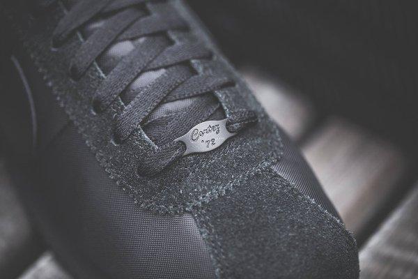 chaussure Nike Cortez Basic 1972 noire (1)