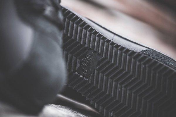 chaussure Nike Cortez Basic 1972 noire (2)