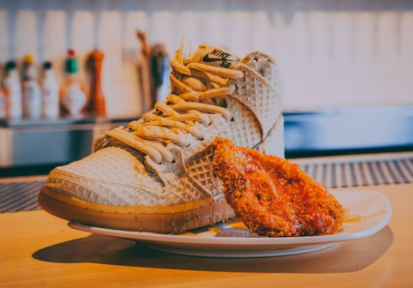 chaussure Nike Dunk High Pro SB Chicken and Waffles (3)