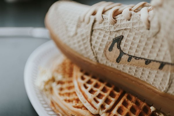 chaussure Nike Dunk High Pro SB Chicken and Waffles (5)