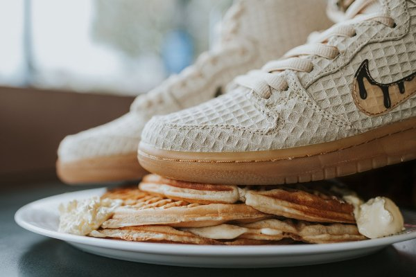 chaussure Nike Dunk High Pro SB Chicken and Waffles (7)