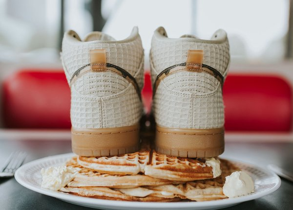 chaussure Nike Dunk High Pro SB Chicken and Waffles (8)