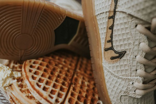 chaussure Nike Dunk High Pro SB Chicken and Waffles (9)