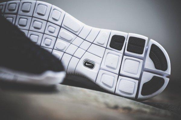 chaussure Nike Free Inneva Woven noire (2)