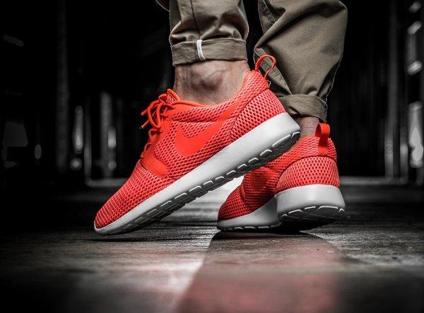 chaussure Nike Roshe One Hyper BR Total Crimson (1)