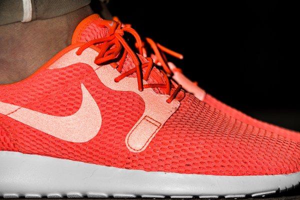 chaussure Nike Roshe One Hyper BR Total Crimson (2)