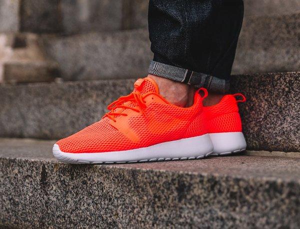 chaussure Nike Roshe One Hyper BR Total Crimson (4)