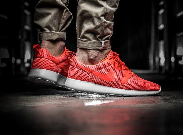 chaussure Nike Roshe One Hyper BR Total Crimson