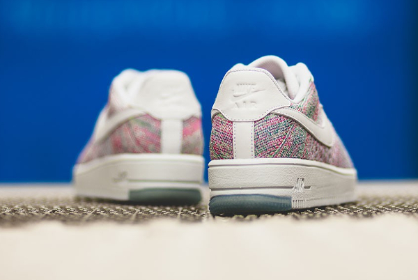 chaussure Nike Wmns Air Force 1 Flyknit Low Radiant Emerald (3)