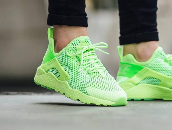 chaussure Nike Wmns Air Huarache Ultra BR Ghost Green (2)
