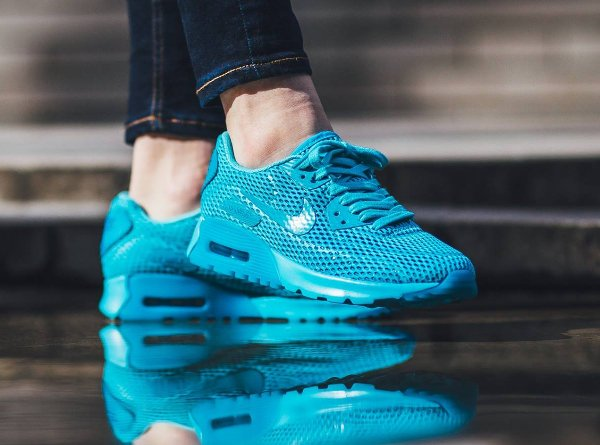 b85e33a4e4c5 chaussure Nike Wmns Air Max 90 Ultra Breathe Gamma Blue (1)