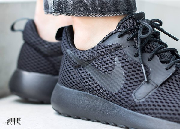 chaussure Nike Wmns Roshe One Hyper BR Black (1)