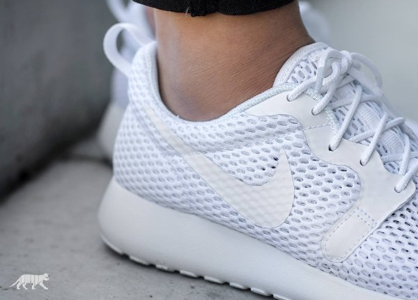 chaussure Nike Wmns Roshe One Hyper BR White Pure Platinum (3)