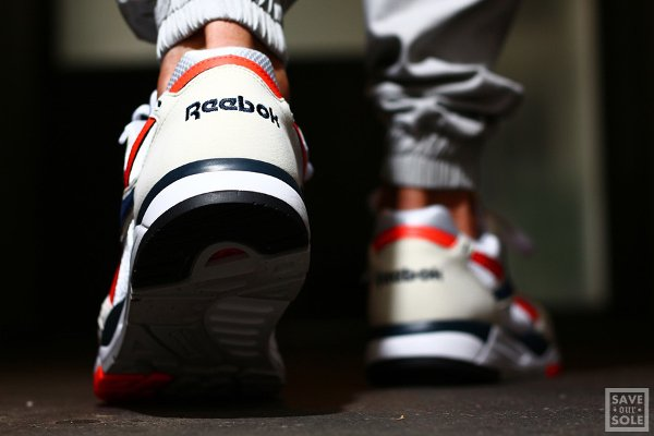 chaussure Reebok Bolton Vintage Chalk White Atomic Red (2)