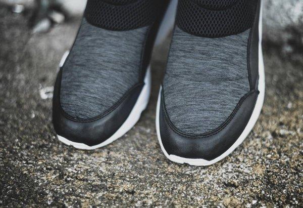 chaussure Stampd x Puma Trinomic Sock sans disc grise et noire (3)