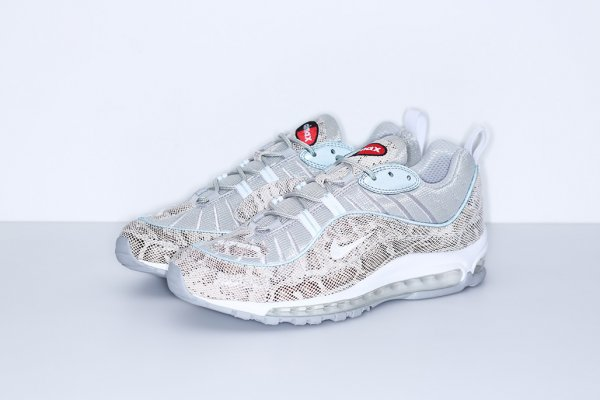 chaussure Supreme x Nike Air Max 98 Sail Metallic Silver-Varsity Red-White (1)