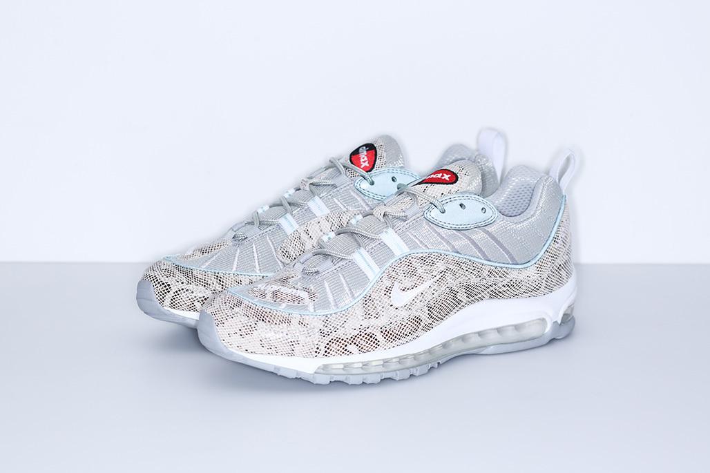 ... chaussure Supreme x Nike Air Max 98 Sai lMetallic Silver Varsity Red  White