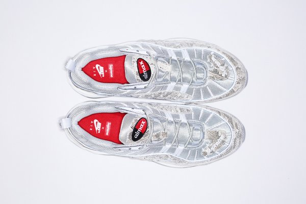 chaussure Supreme x Nike Air Max 98 Sail Metallic Silver-Varsity Red-White (3)