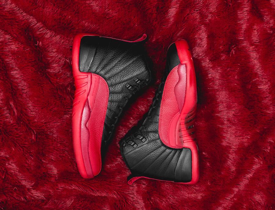 Air Jordan 12 Retro Black Varsity Red (4)