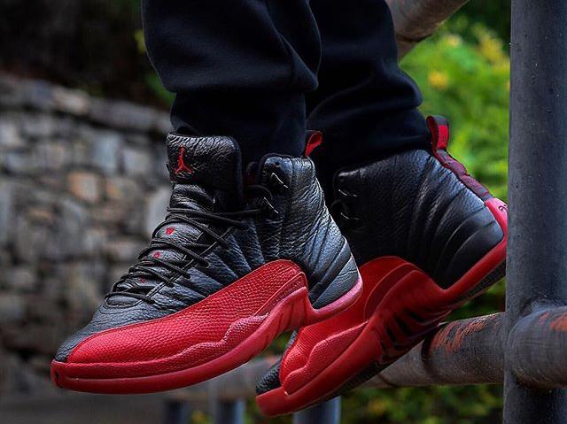 Basket Air Jordan 12 Flu Game Black Red Retro 2016 (1)