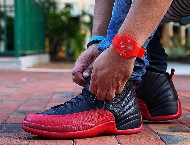 Basket Air Jordan 12 Retro Flu Game 'Black Red' 2016 (1)