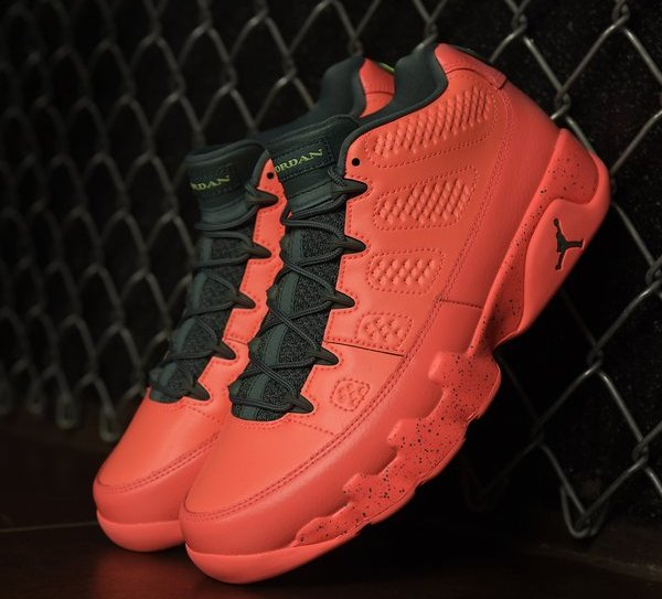 Basket Air Jordan 9 Retro Basse Bright Mango pas cher (1)