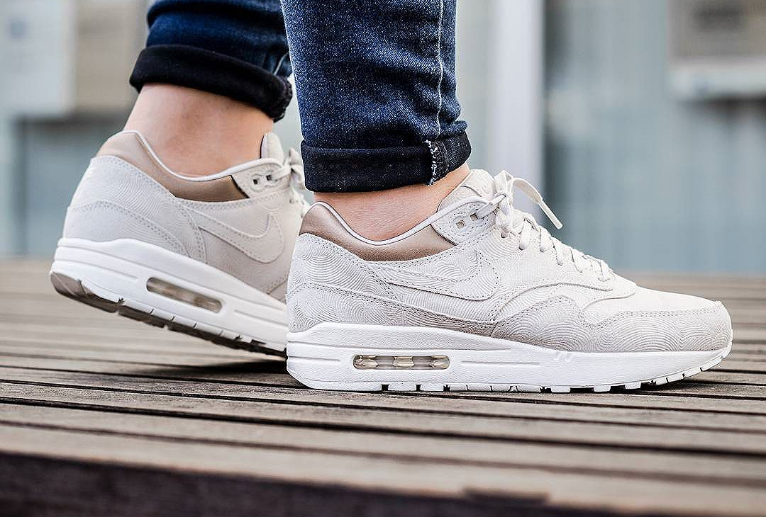 magasin en ligne aecdc 47c34 Nike Air Max 1 PRM 'Gamma Grey Metallic Golden Tan'