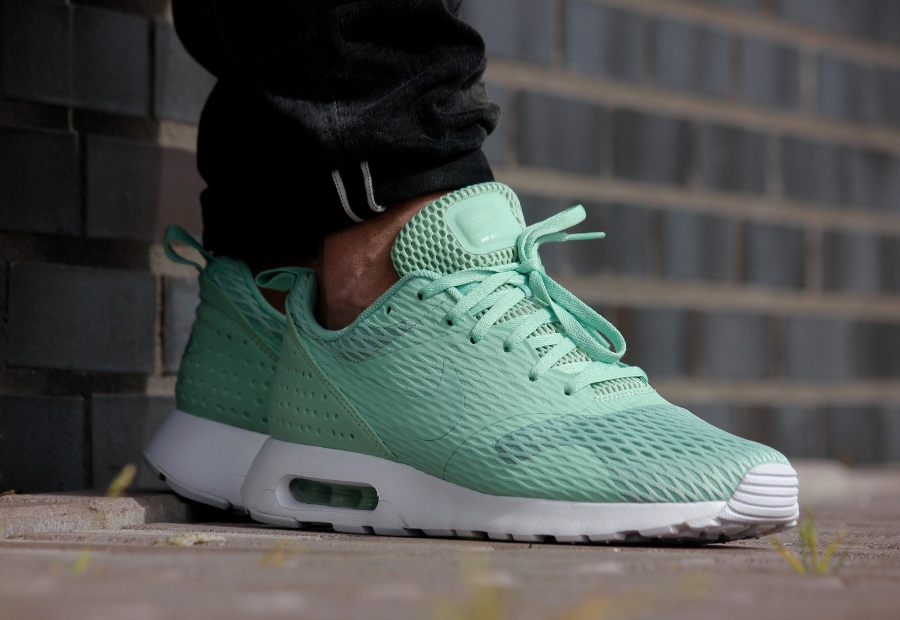 Basket Nike Air Max Tavas Special Edition Enamel Green (vert menthe) (1)