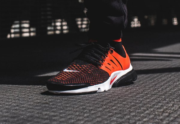 Basket Nike Air Presto Ultra Flyknit Black Bright Crimson