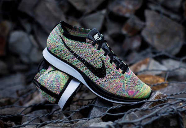 Basket Nike Flyknit Racer Multicolor 3.0 Rainbow Grey Tongue (6)