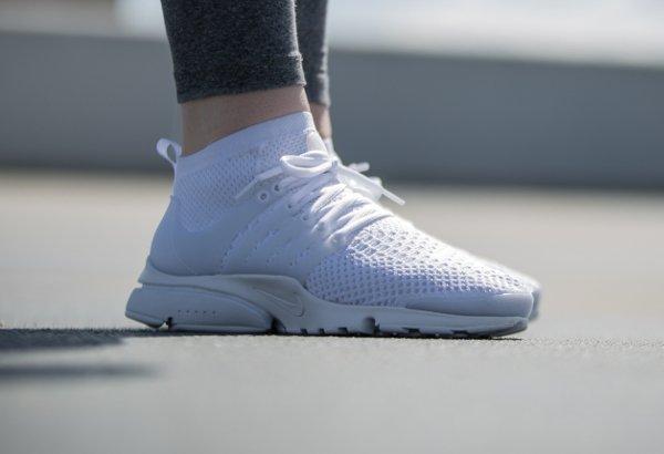 Basket Nike Wmns Air Presto Ultra Flyknit White