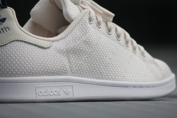 outlet store 6c1aa 84404 Stan Smith Woven Chalk White