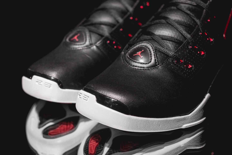 Chaussure Air Jordan 17+ Retro Black Gym Red (3)