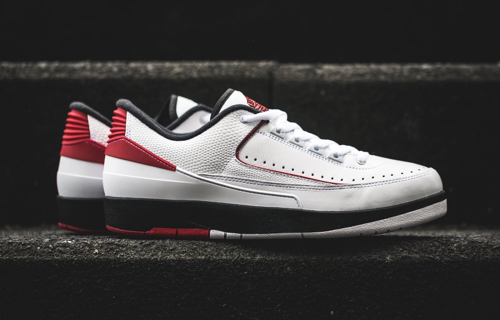 Air Jordan 2 Retro Low 'Chicago'