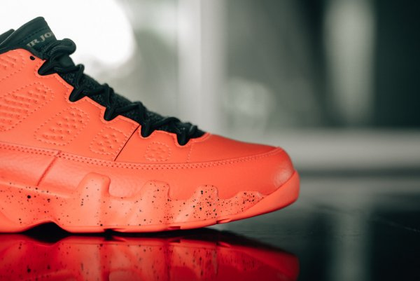 Chaussure Air Jordan 9 Retro Low 'Bright Mango' (3)