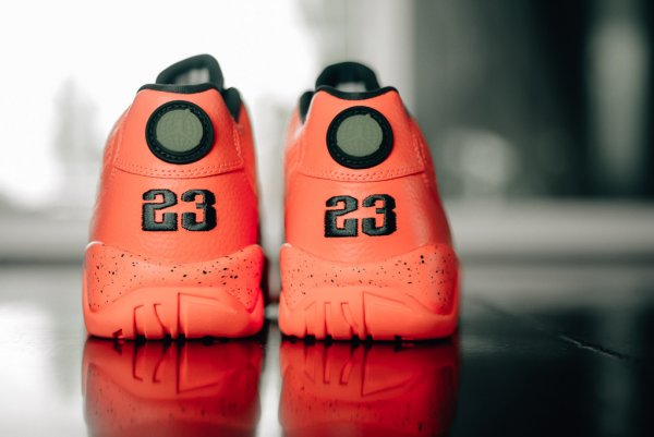 Chaussure Air Jordan 9 Retro Low 'Bright Mango' (4)
