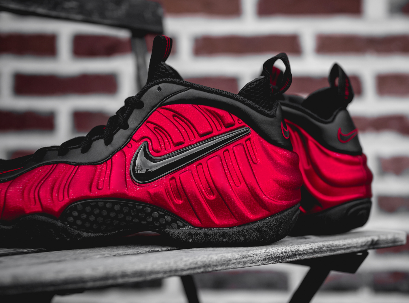 Chaussure Nike Air Foamposite Pro 'University Red' (4)