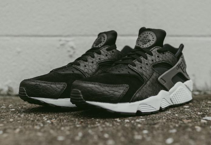 Nike Air Huarache Premium Black & White 'Scales'